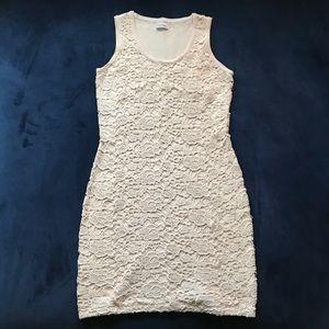 CALVIN KLEIN CREAM CROCHET LACE SHEATH DRESS